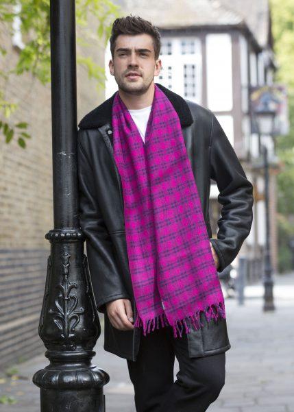 Handloom Tweed Merino Wool Plaid Scarf Pink