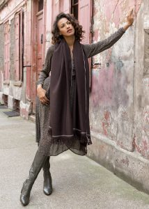 Shoreditch Merino Wool Shawl & Oversize Scarf Chocolate 100 x 200cm